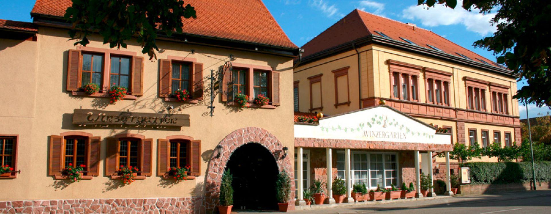 Hotel pfalz deutsche weinstra e zimmer pf lzerwald for Design hotel pfalz
